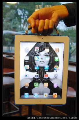 Intuitive Cube XZ-CASE 讓你的 iPad 拿的更穩固