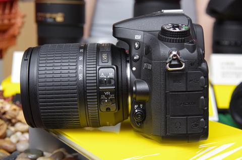 24MP 元件、 51 點對焦與移除低通濾鏡, Nikon D7100 重新定位中高階 APS-C
