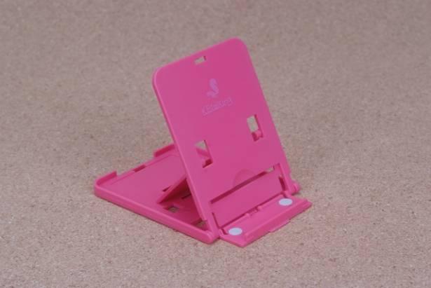 絕對容易攜行的手機、平板立架,KBtalKing推出小巧用於手機的 EzStand,以及較大可用於平板的UpStand