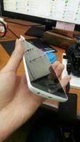 繼續採用機背控制鍵設計,野生的 LG G3 曝光啦!