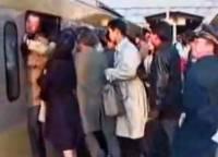 擠電車的痛苦理由男女大不同?!