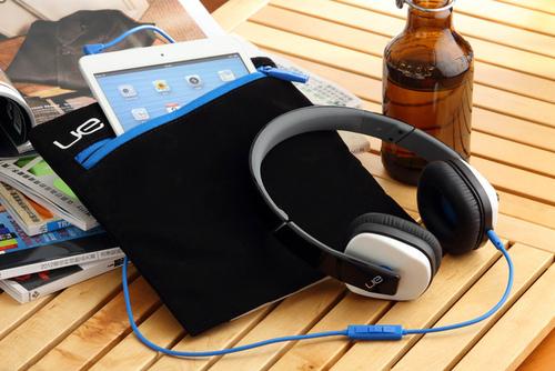 Logitech UE 4000、UE 6000耳機 與iPad mini意想不到的合拍  讓您時時刻刻樂在其中!