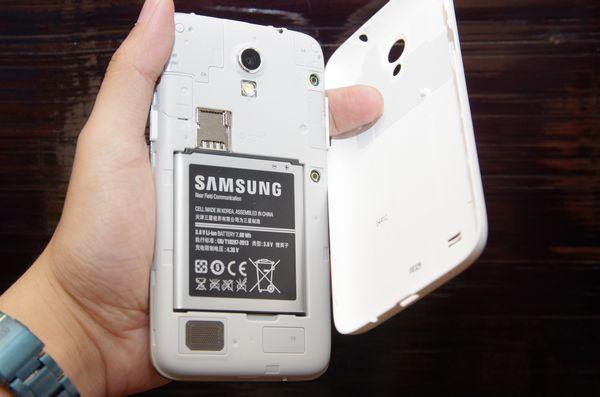因應全球搶先 700MHz Band28 LTE 營運需求,三星與遠傳宣布合作並推中階 LTE 機種 Galaxy Core Lite