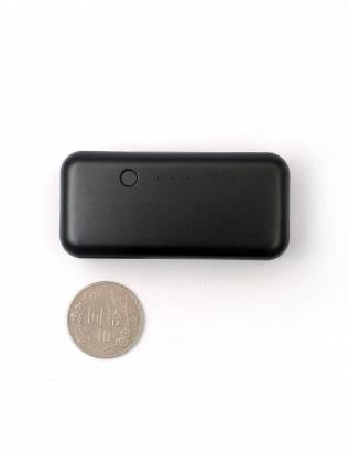 線材上具有巧思的 Just Mobile Gum 鋁合金行動電源