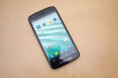 價格最親民的 Full HD 手機, Sharp AQUOS Phone SH930w 動手玩
