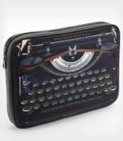 披上打字機皮的 laptop