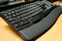 除了人體工學還加入Windows 8快速鍵應用,微軟 Sculpt 舒適鍵盤 動手玩