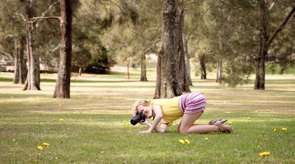 [廣告創意]廠商也想酸酸消費者,你為什麼要買單眼相機呢?