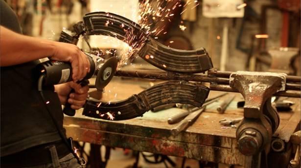 就讓我們化武器為樂器,一起為和平反戰發聲!