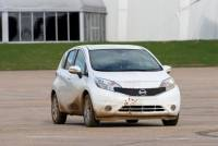 日產新油漆技術 車身自動清潔