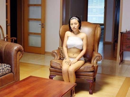 拍攝韓國醫院內整容後、未康復的女性