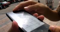 Onyx 推出電子墨水螢幕的手機 待機長達1個月