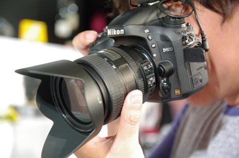 今天世貿三館攝影器材展開跑,有收到的促銷方案會整理在此~