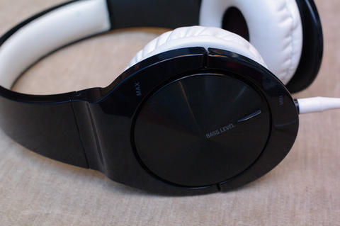 雙單體可調低頻量感的小耳罩, Pioneer MJ-751 試聽
