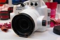讓 Nikon 1 J1 J2 可以拍攝水下美景的專用潛水盒登場了!