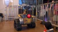 為了癌症兒童而誕生的瓦力 WALL-E 機器人