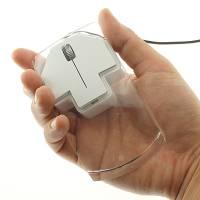 重量很輕,外形導向的透明滑鼠