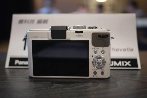 Panasonic LUMIX DMC-LX7 應用展開始預購,預購價 16,900 元,最快八月底上市