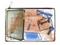 小包潮流來襲 羅技精選旗下輕盈小巧 3C 產品 不佔包內空間又能隨時享受科技便利 姊妹們時尚不需妥協