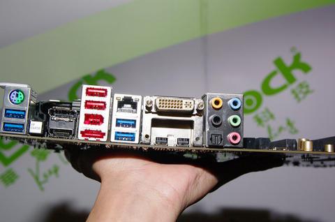 Computex 2012 :觀測之四,高速通用 I/O 之爭誰能脫穎而出?