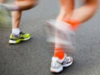鞋底動能回收晶片,人力發電踏出新的一步