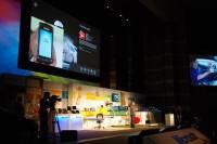Computex 2012 :微軟展出甫在 E3 發表的 Smart Glass ,也順便說明網路流