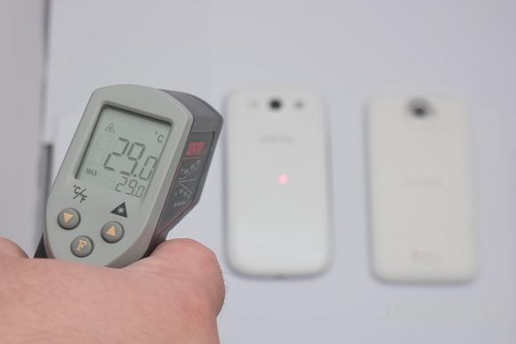 實驗 : 四核手機會「燒袋」? Samsung GS3 vs HTC One X