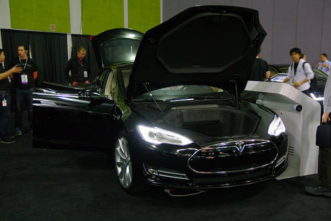 Tegra 入侵汽車中控台! GTC 展示 Tesla Model S 與 Audi A7