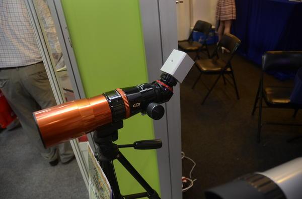 Computex 2014:能夠以Wifi傳輸影像資訊的顯微鏡