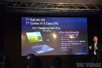 華碩 Asus Transformer Pad Infinity 700 再搶首款新架構平板(補上 P300 影片)