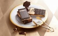 DoCoMo Q-Pot 巧克力手機,超甜的!