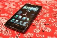 Motorola RAZR MAXX 正式發表,電池容量增至 3300mAh