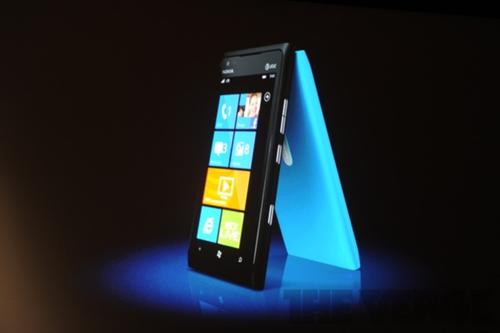 Nokia Lumia 900 LTE Windows 手機發表,AT&T獨家