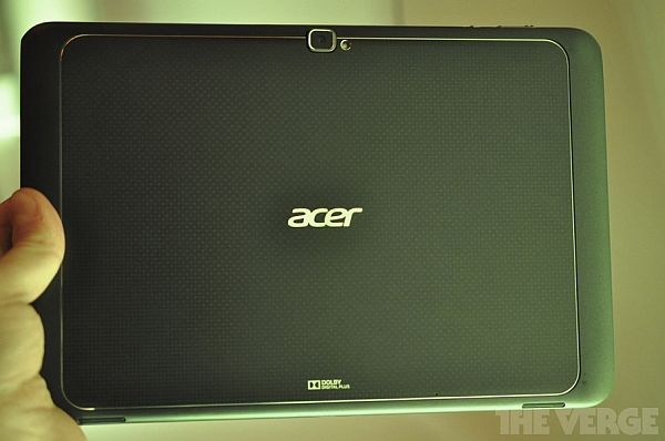Acer IconTab A700 平板正式現身 CES 2012