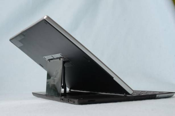 100年資訊月:Asus Eee Pad Slider 平板