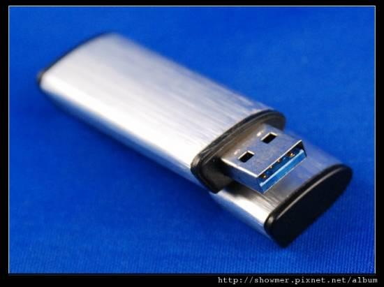 謎樣的平價版 USB 3.0 隨身碟