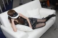 Sony 3D頭戴式影院「HMZ-T1」動手玩