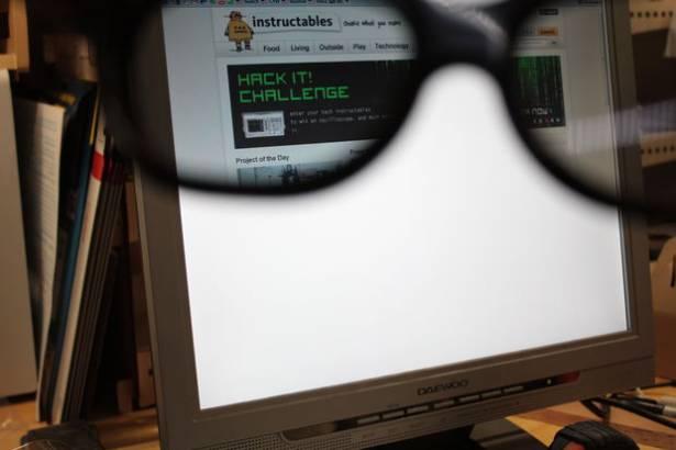 帶上這副液晶體顯影眼鏡,銀幕只有我看得到