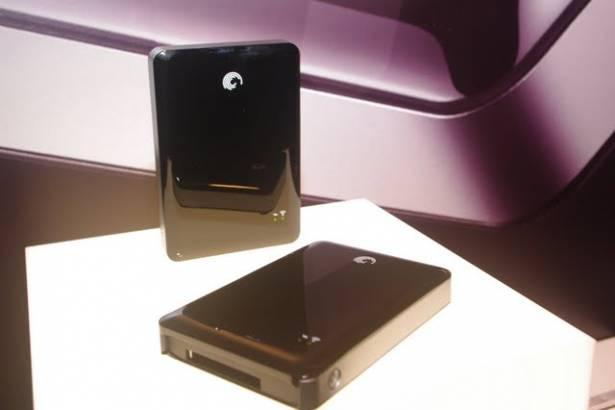 Seagate 發表針對行動設備的無線儲存方案 GoFlex Satellite