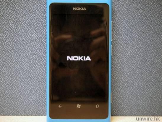 Nokia Lumia 800 動手玩(外型篇)
