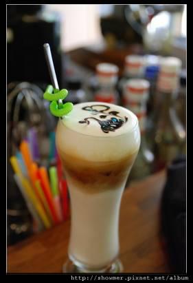 [高雄] 現場教你拉花的咖啡店...Sketch 草圖設計藝文咖啡