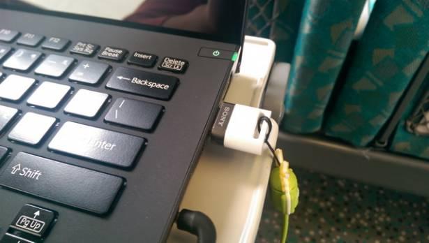手機平板專用的隨身碟 Sony USM-SA1