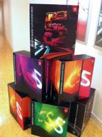 Adobe 請大家免費體驗最新版 CS 5.5 喲!