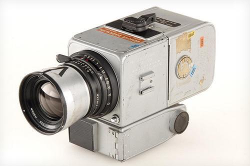 第一台往返月球的相機以 550,000 歐元賣出!得主是日本  Yodobashi Camera 創辦人!