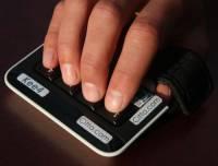 電腦或手機按鍵,最少需要幾個?答案是……四個!