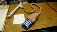 怪獸電力工司的真實版,肉條 iPhone 充電器
