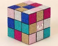 Juicy Couture 推出限量彩鑽版魔術方塊,挑戰腦力也挑戰眼力