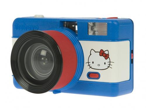 LOMO 相機配上 Hello Kitty,玩具感加倍!