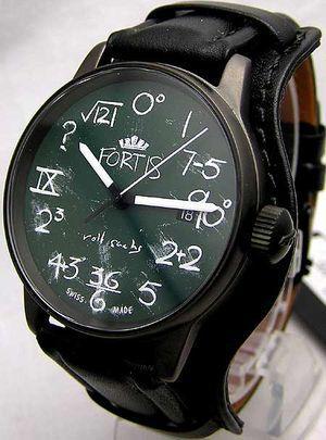 數學噩夢再現!板筆表面手錶要妳回味青澀年代!!