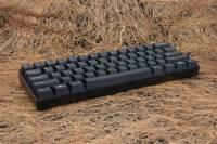 同時間,又有另一把客製化鍵盤出現,以60%機械式鍵盤面貌出現的KBtalKing Pure